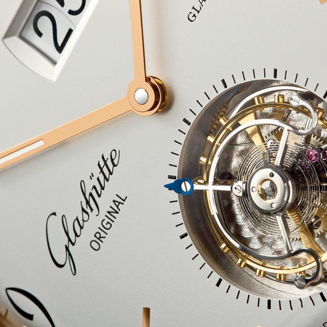 每一支格拉苏蒂腕表都是独一无二的艺术品